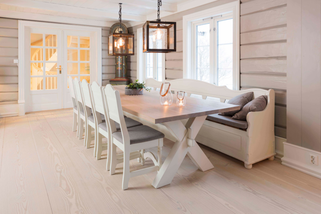 Kongsgård spisestue med X-fot bord - kvande & nordvik